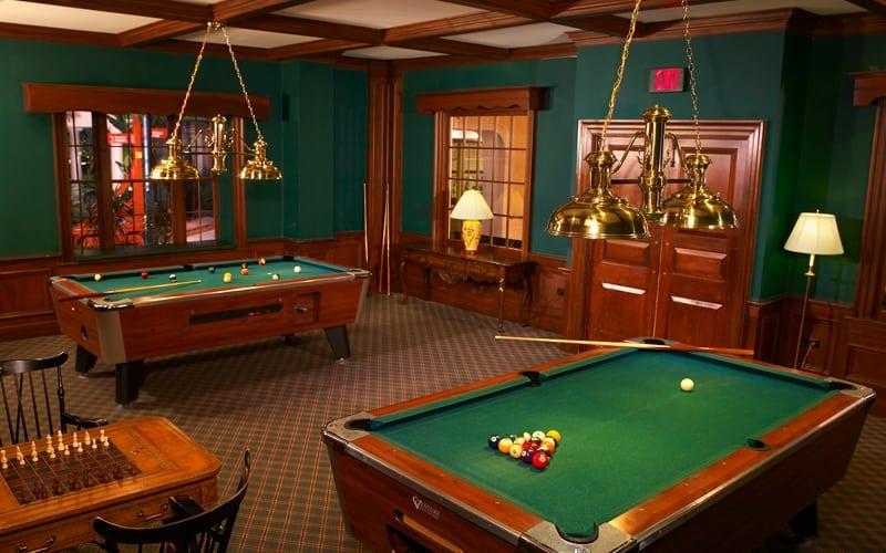 hotel-aminites-pool-tables