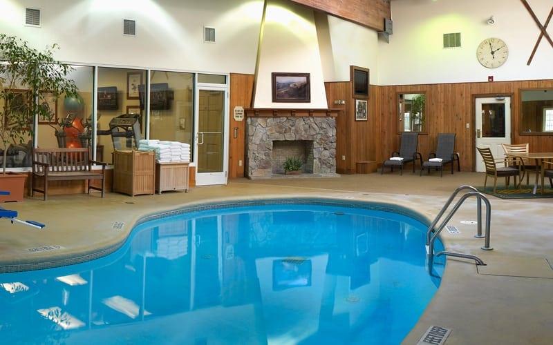 hotel-aminites-pool